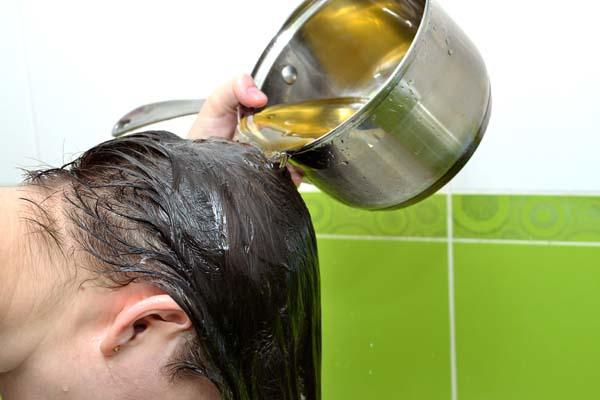 Bia cực kì phổ biến trong việc trị gàu và ngứa da đầu
