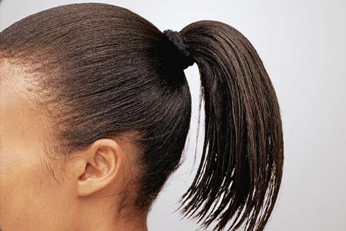 cột tóc chăt làm rụng tóc