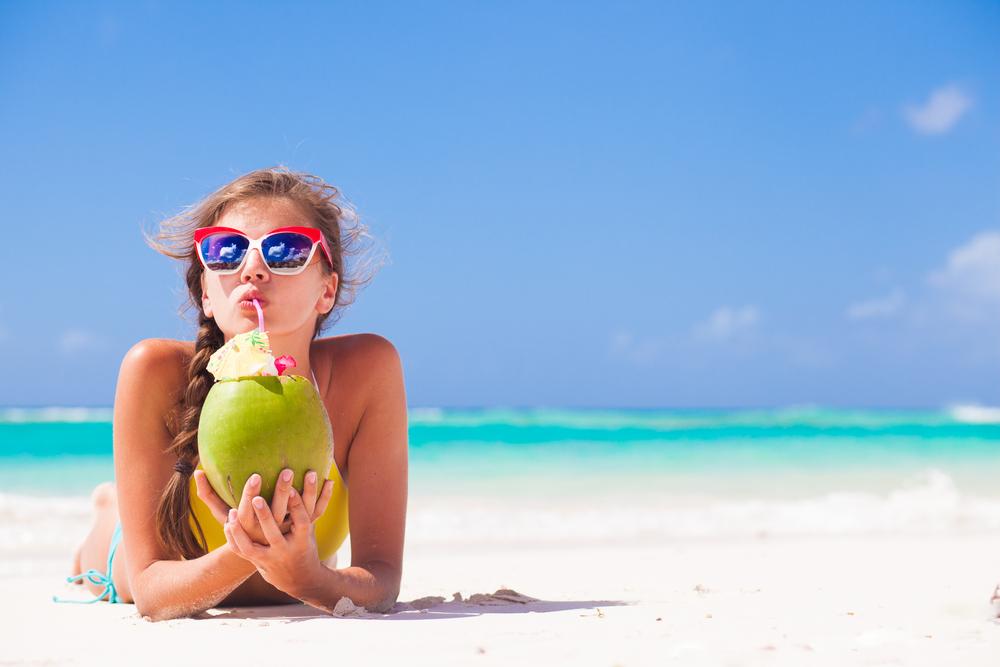 Tự tin đi biển với viên uống chống nắng ciros